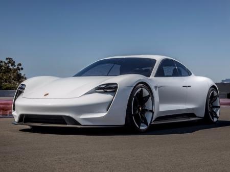 Porschesfirstelectriccarwillhaveanunprec